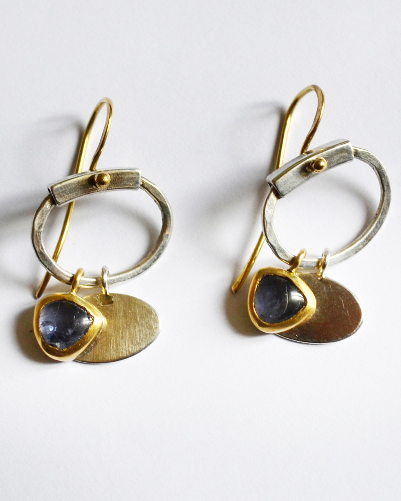 Earrings in gold and silver and iolite