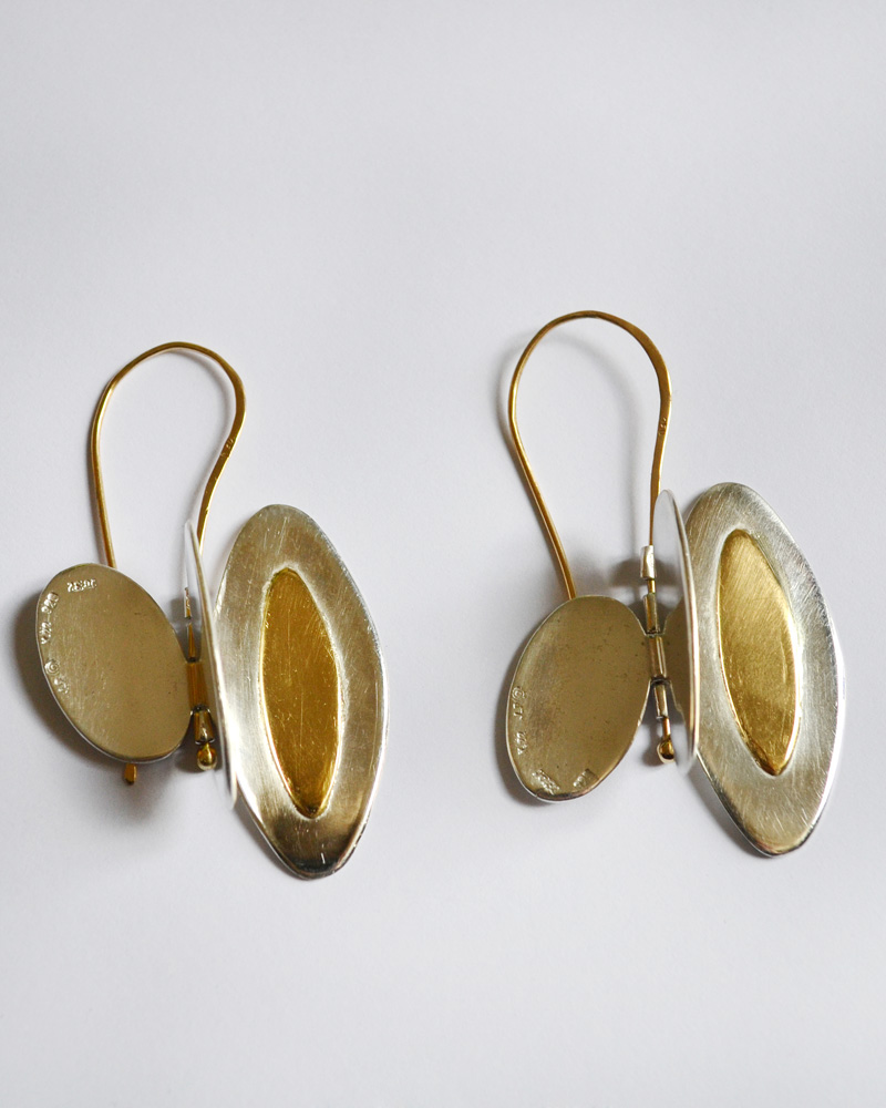 Earrings in gold and silver