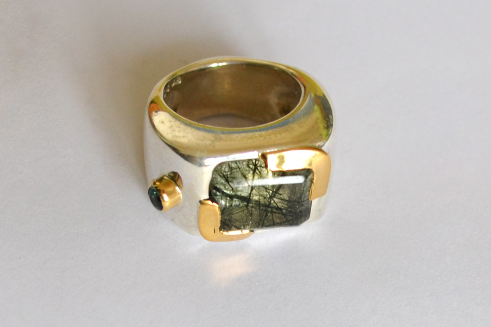 Ring in silver, gold, tourmaline and quartz with inclusions