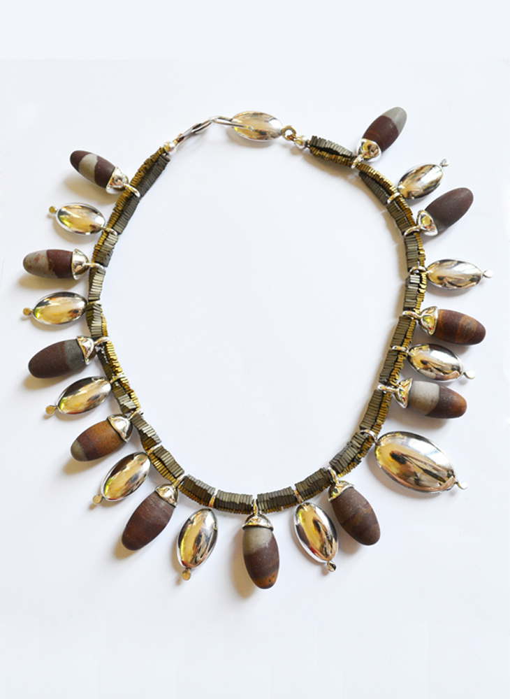 Necklace in silver, hematite and jasper