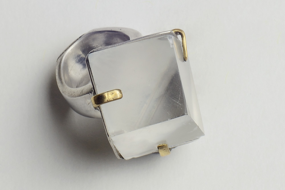 Ring in crystal quartz