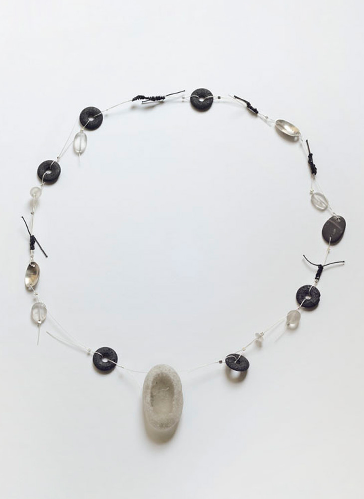 Necklace in silver, lava, pebbles and quartz crystal